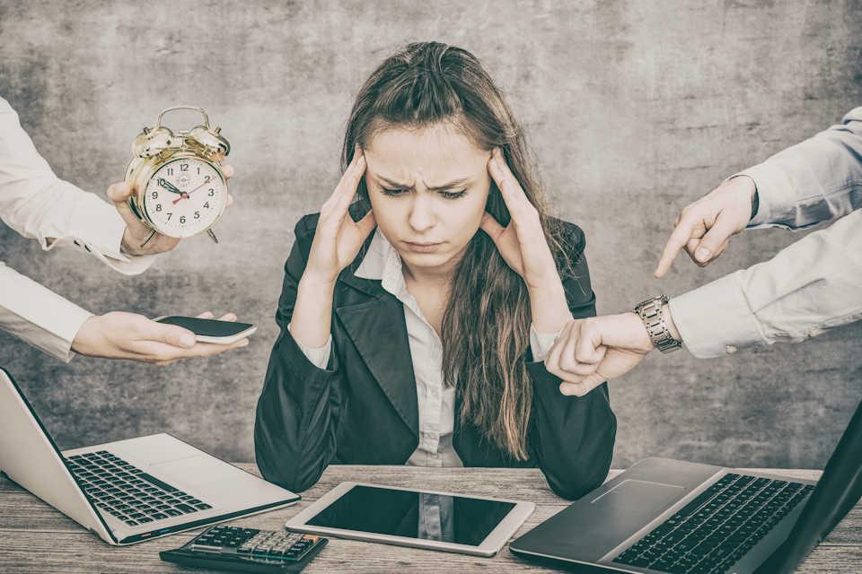 5 syytä miksi yrityksen kannattaa ulkoistaa buukkaus ja valita ammattilainen tekemään soittotyö ja ensikontakti